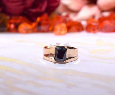 Žiedas iš medicininio metalo